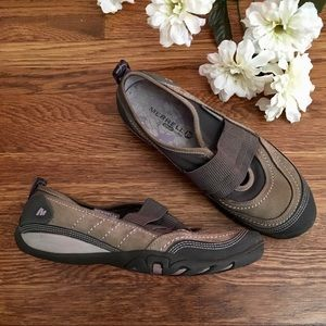 Merrell slip on hiking shoe 7.5